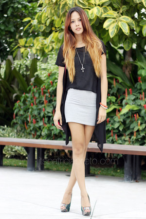 black chiffon mullet random from Hong Kong top