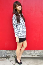 heather gray leopard printed Forever 21 sweater - black suede heels Forever 21
