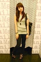 beige Miley Cyrus x Max Azria t-shirt - black H&M - black Zoo Shoes - black Fore