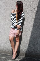 light pink Urban Outfitters skirt - gold chain Bubbles necklace