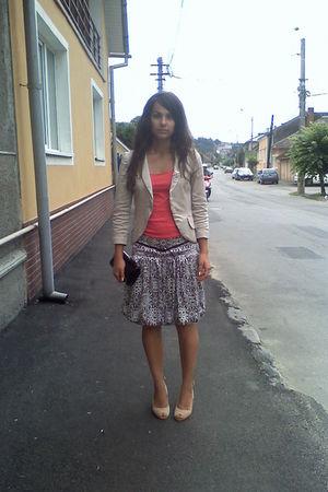 beige shoes - beige blazer - brown skirt - shirt - black purse - black belt