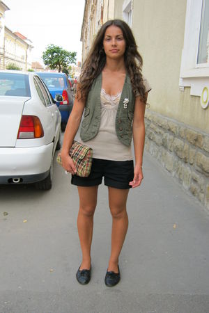 white accessories - black shoes - black shorts - beige shirt - beige intimate -