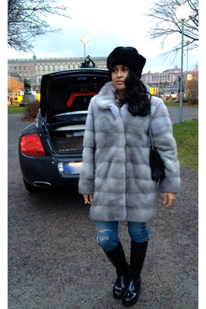 silver Amoress coat - black Lousi Vuitton boots - blue Balmain jeans
