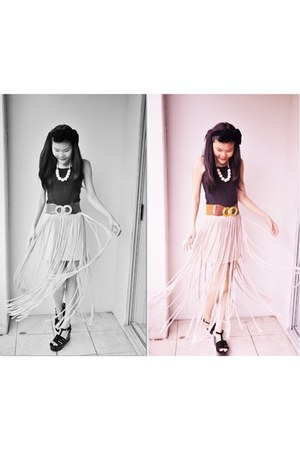 peach fringe skirt - black accessories - black top - black velvet wedges