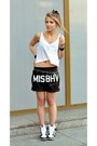 Misbehave-shorts-pull-bear-top-nike-sneakers