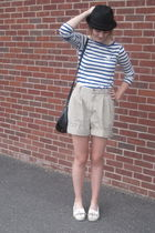 black f21 hat - blue H&M top - beige moms old shorts - white moms old shoes - si