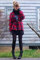 black boots - red shirt - blue shirt - black scarf