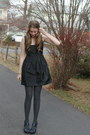 Black-modcloth-dress-charcoal-gray-tights-navy-wedges