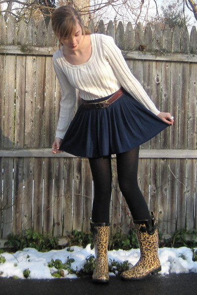 blue H&M skirt - brown syms boots - red vintage belt