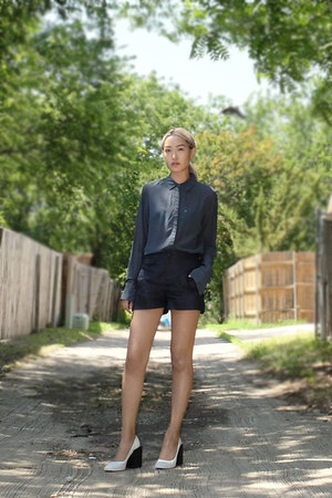 blue t by alexander wang shirt - navy rag & bone shorts - white balenciaga heels