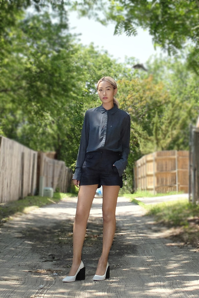 blue t by alexander wang shirt - navy rag & bone shorts - white balenciaga heels