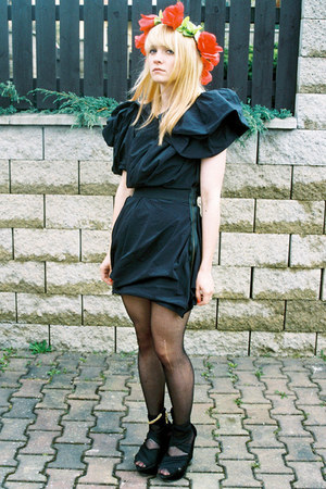 black Lanvin for H&M dress - black Topshop wedges - red from Agnes accessories -
