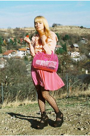 hot pink plastic H&M bag - black Topshop wedges - peach H&M blouse - coral pleat
