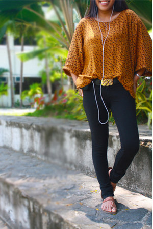 animal print blouse - vintage belt