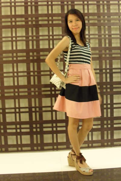 brown wedges shoebox shoes - pink Bazaar dress - gray Bazaar purse