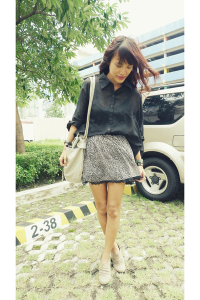 heather gray leopard print thrifted skirt - black bugis market shirt