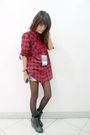 Red-thrifted-shirt-blue-denim-shorts-black-soule-shoes-black-ebay-tights-