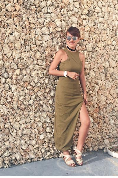 white Veloci watch - olive green Mean Marqueda dress