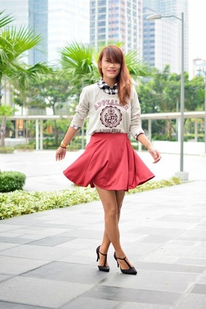 brick red skirt