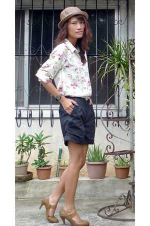 white vintage floral shirt - black Going Modern by Archive shorts - brown shoes