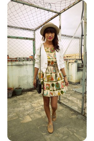 dark khaki vintage dress - white fievremultiplycom jacket - black vintage bag -