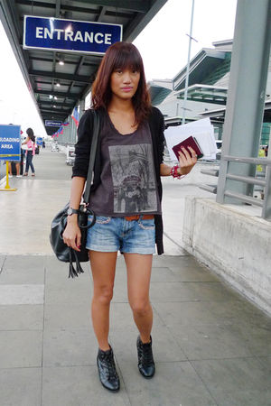 gray top - blue thrifted shorts - black from Thailand accessories - black Foreve