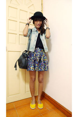 black Never Been Kissed dress - black Ebay hat - yellow Greenhills shoes - blue
