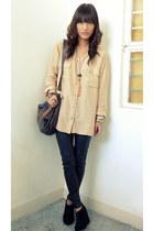 black Forever 21 leggings - tan thrifted shirt - dark brown H&M bag - bronze fla