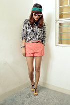 salmon SM shorts - black envy shirt - yellow So FAB wedges