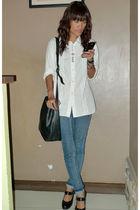 white elle paris shirt - blue Anti-fit jeans - black thrifted shoes