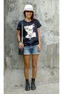 Black-kylie-shirt-shirt-dms-shoes-versace-accessories