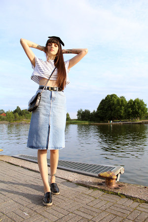 sky blue denim Zara skirt - black cross shoulder vintage bag