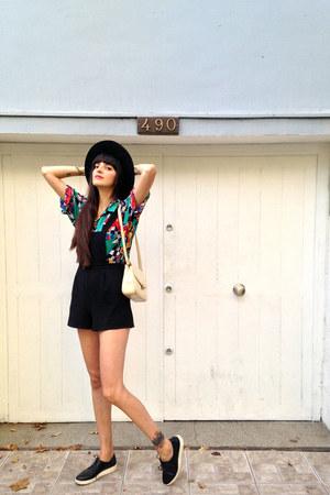 teal vintage shirt - black cordoves hat unknown brand hat