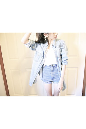 sky blue DIY shorts - light blue denim Levis jacket