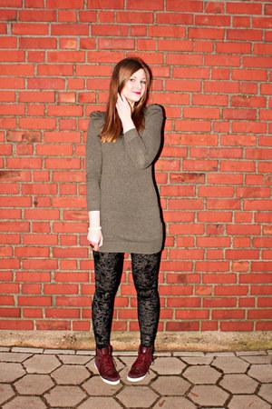 black velvet H&M Kids leggings - heather gray knitwear Zara dress