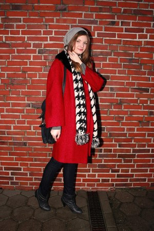 gray Cubus shirt - dark gray Zara boots - ruby red vintage coat