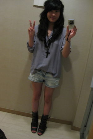 f21 accessories - Urban Outfitters shoes - Urban Outfitters shirt - Zara shorts