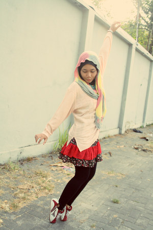 red tailored dress - light pink montage sweater - ruby red ardiles sneakers