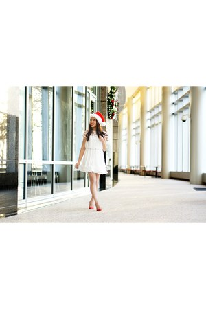 white Chicwish dress - red Pour La Victoire heels