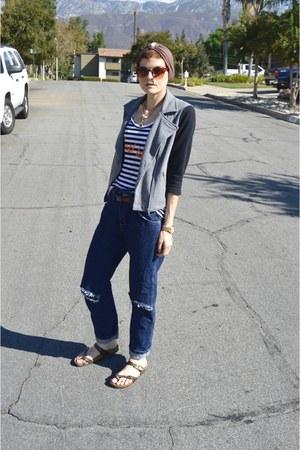 blue boyfriend jeans Wrangler jeans - black motorcycle Forever 21 jacket