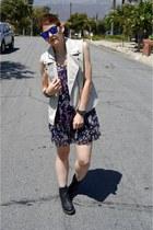 55289e2fcc78f6 navy floral dress Kimchi Blue dress - black Dr Martens boots
