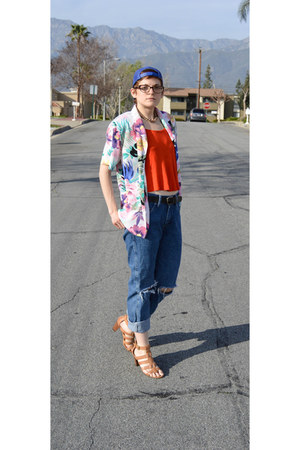 boyfriend jeans Wrangler jeans - floral print blouse