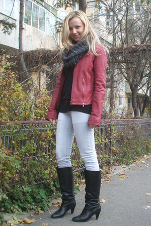 red kenvelo jacket - black Zara boots - silver Zara jeans - gray Motivi scarf