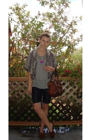 Kain t-shirt - Zara shorts - Mulberry accessories - Minnetonka shoes