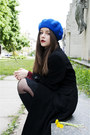 Black-new-yorker-coat-blue-mums-hat-navy-dotted-orsay-scarf-black-h-m-skir