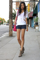 white LnA t-shirt - hot pink Ralph Lauren bag