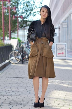 black vintage blouse - black shoes - black Chanel bag - green H&M skirt - purple
