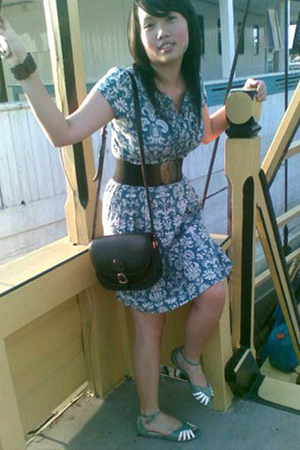 ITC dress - belt - Gobelini purse - accessories - Charles & Keith shoes