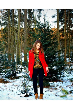 black skinny jeans pourelle jeans - tawny Landrover shoes - red wool TRF coat