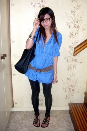 thrifted blue button shirt - thrifted belt - mink pink lame leggings - rubi blac